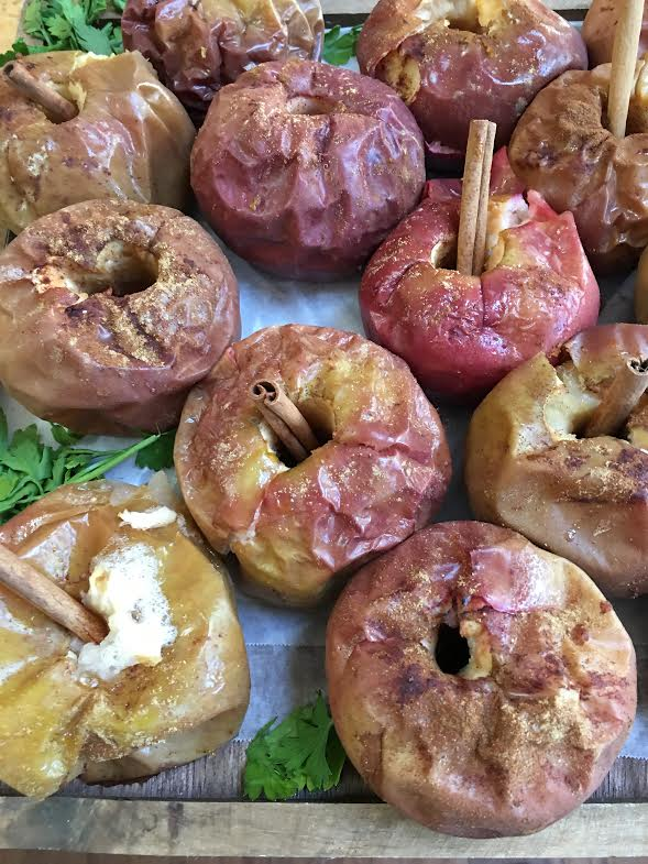 baked apples with cnammon sticks