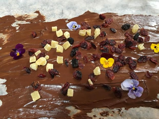 chocolate bark with pansies and raisins