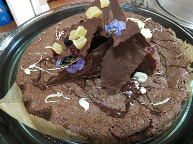 flourless chcoale cake with melted chocolate bark