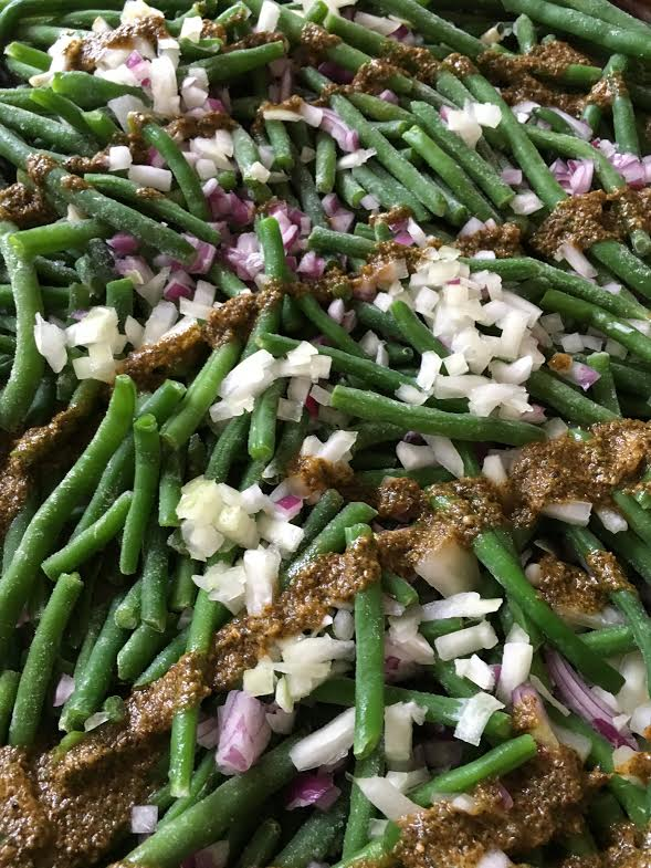 roasted green beans with drizzle