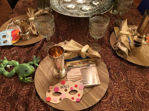 seder table 1