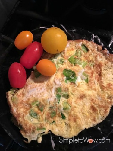 omelet with scallions