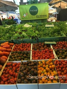 zurich-farmers market in train station
