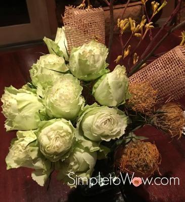 burlap-arrangement-up-close