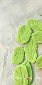 APPLE CUPCAKES leaves